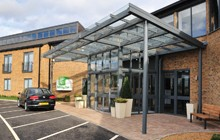 Holiday Inn, Huntingdon Racecourse – Entrance Canopy